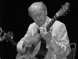 17 Alirio Diaz