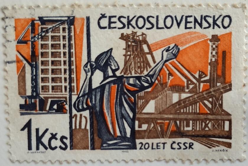 timbre imprimé en Tchécoslovaquie montre travailleurs et les nouvelles constructions, 20e anniversaire de la libération des nazis, vers 1965